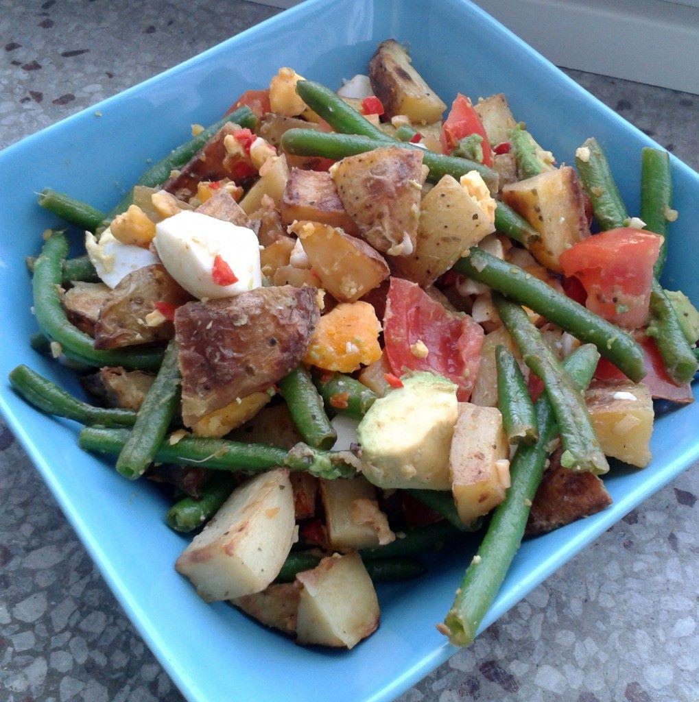 Ruokaisa salaatti on maistuva kaveri grillilihalle ;)
