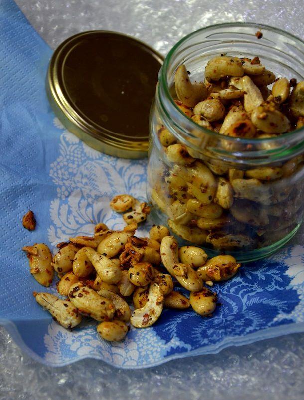 Chili-hunajapaahdetut pähkinät