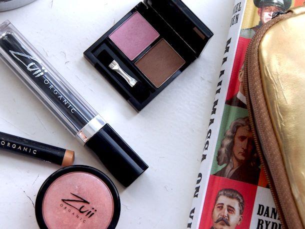Zuii organic make up