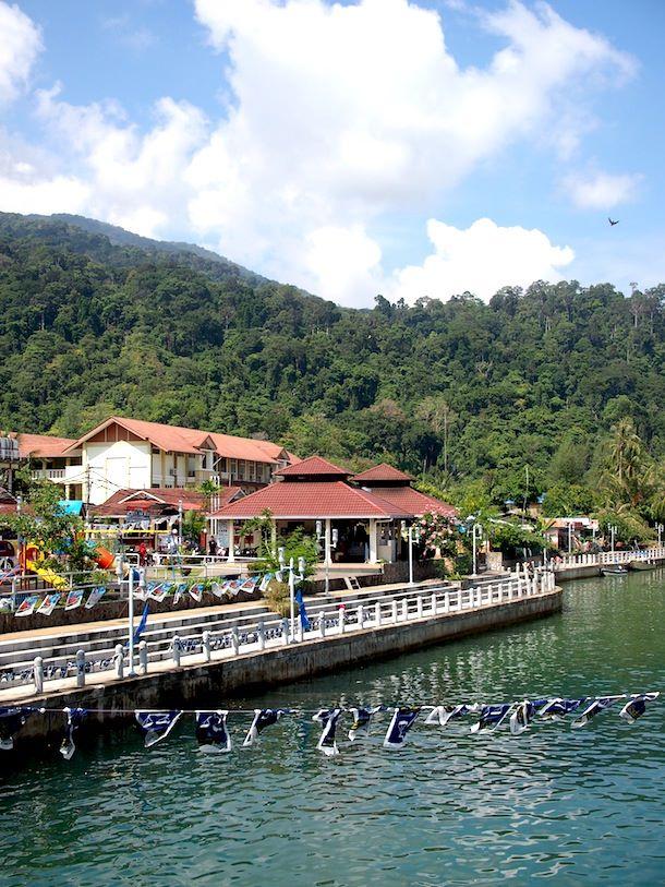 Ensikosketukset, Malesia